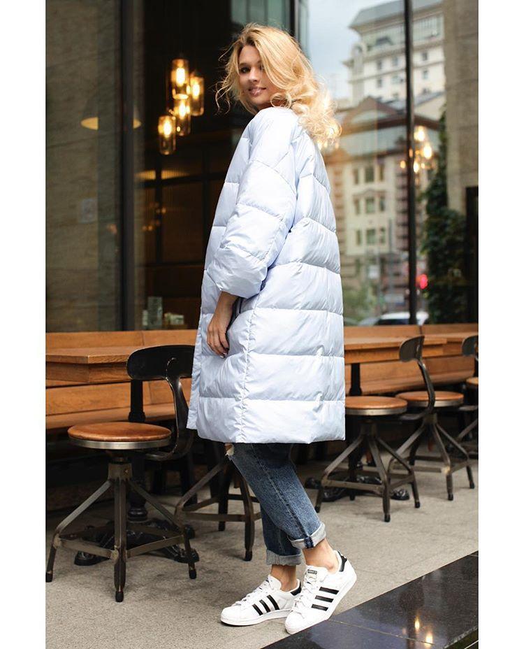 Белая теплая зимняя куртка