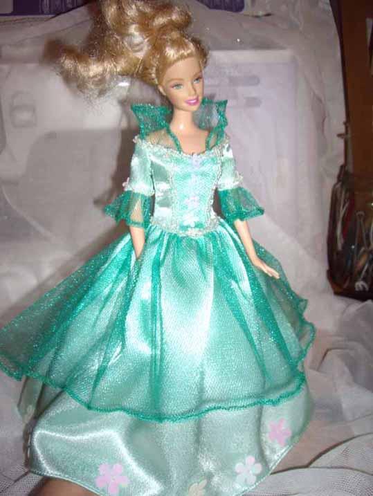 Бирюзовое платье куклы Барби