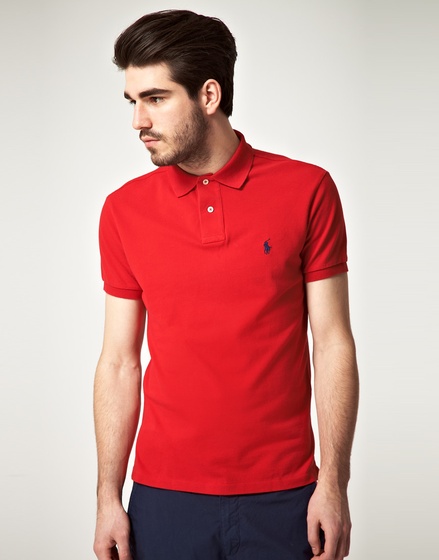Брендовая красная футболка