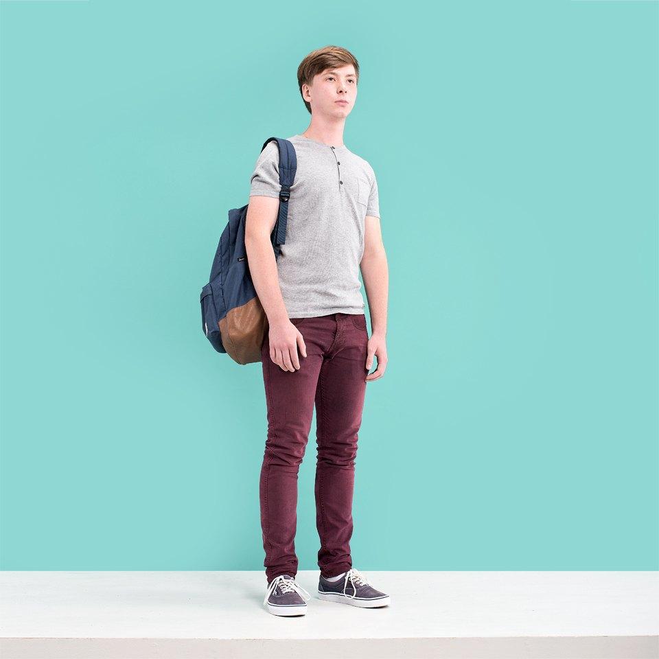 Где одеваются подростки