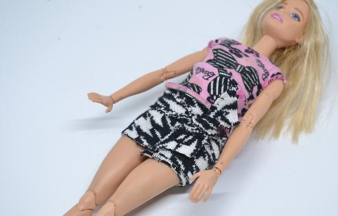 Как сделать красивую юбку кукле своими руками