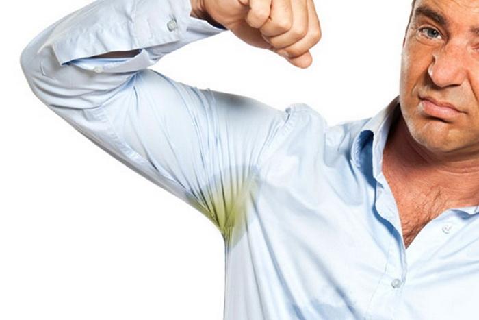 Как убрать запах пота с одежды