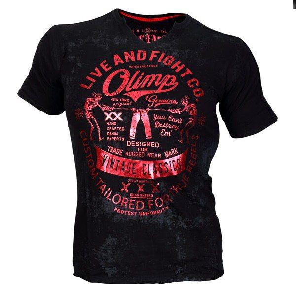 Красно-черная футболка