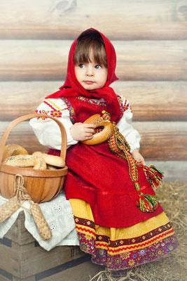 Красный русский костюм для девочки