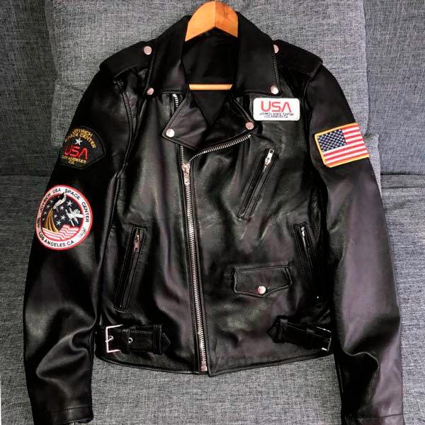 Куртка-косуха с нашивками