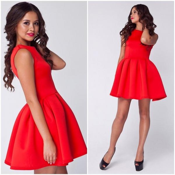 Легкое летнее красное платье для девушки