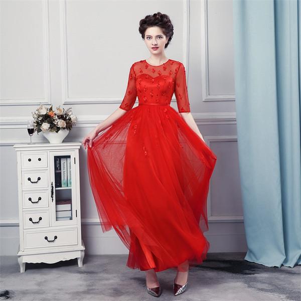 Легкое вечернее платье красного цвета