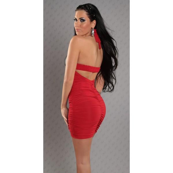 Откровенное короткое платье красного цвета