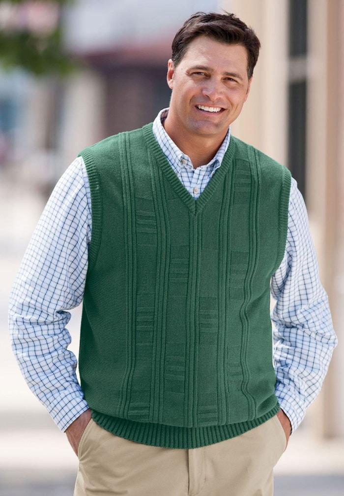 Полным мужчинам прекрасно свитера с V-образным вырезом