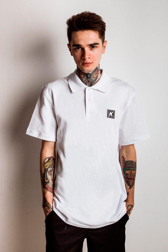Пример длинной мужской футболки поло