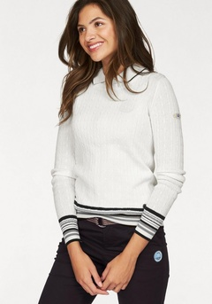 Пуловер с круглым воротом