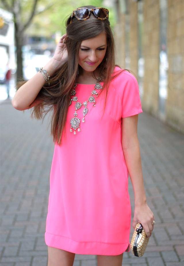 Розовое нежное платье