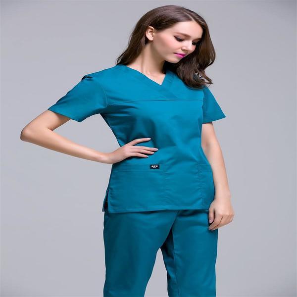 Синий костюм для работы медика