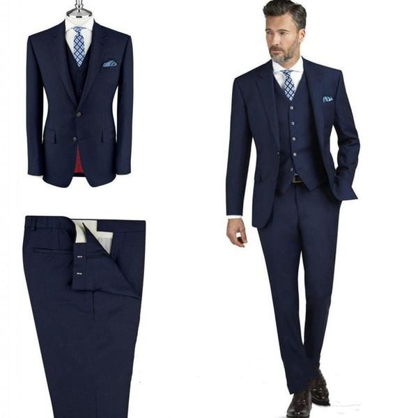 Стильный синий костюм для мужчины