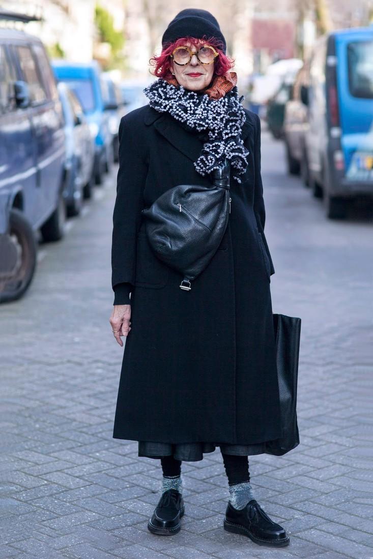 Верхняя одежда для женщины