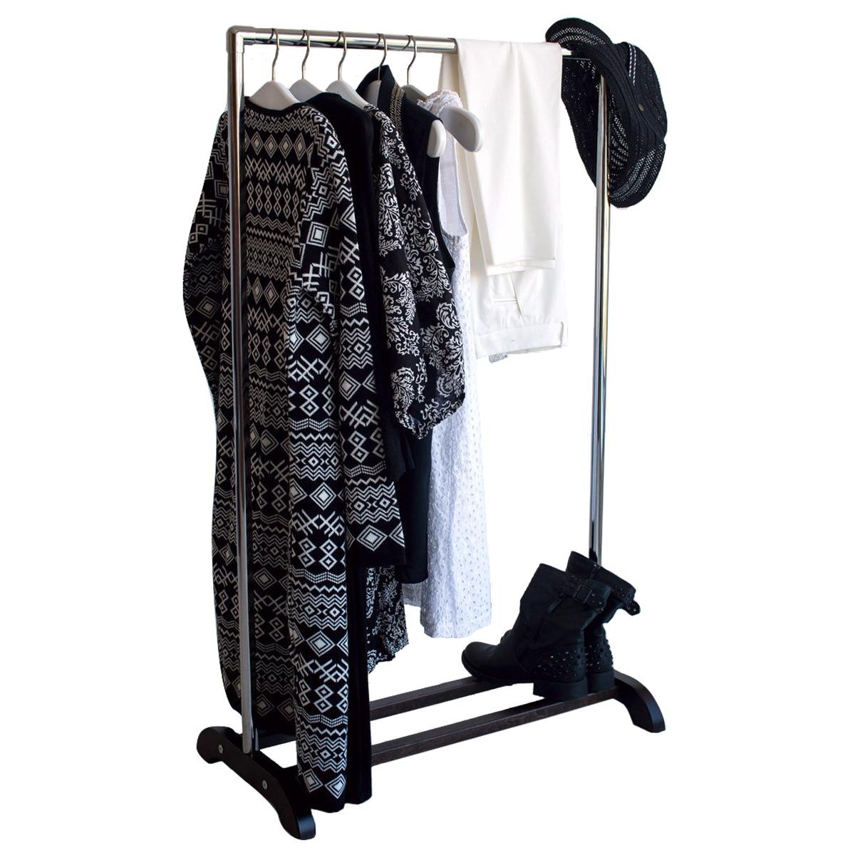 Выбираем стойку для одежды