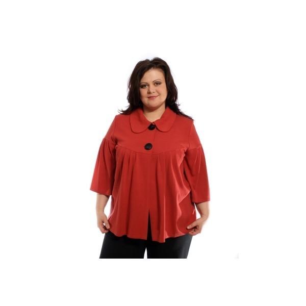 Выбор верхней одежды красного цвета