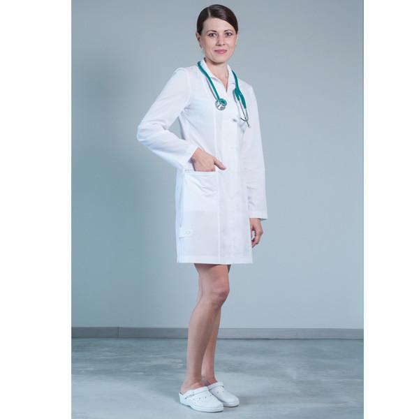 Женский халат для врача на пуговицах
