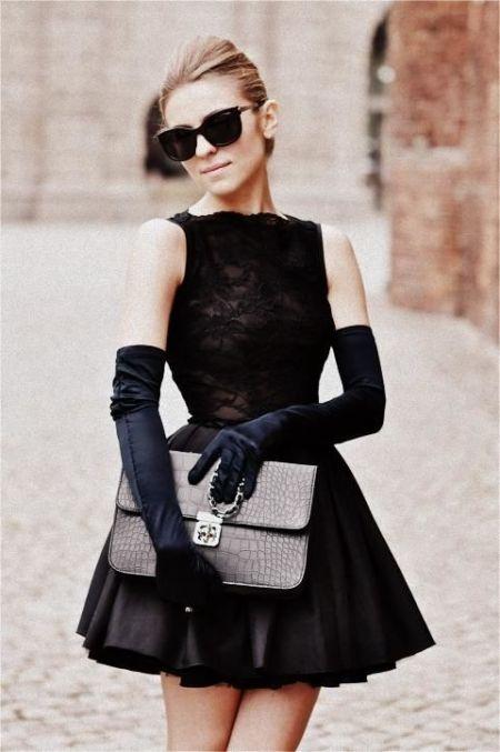 Маленькое черное платье Chanel