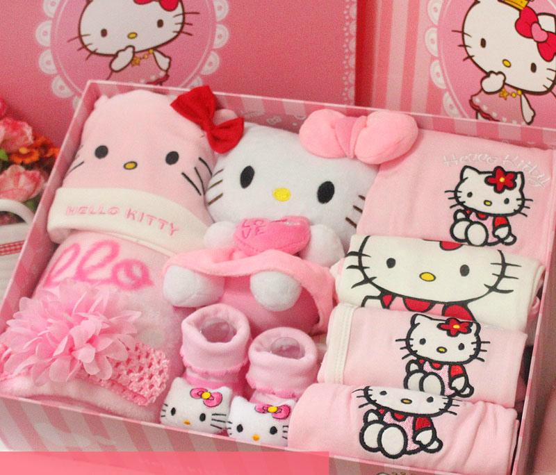 Для девочки покупают чаще розовые наряды