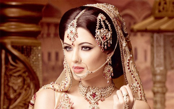 Индийские украшения для девушки