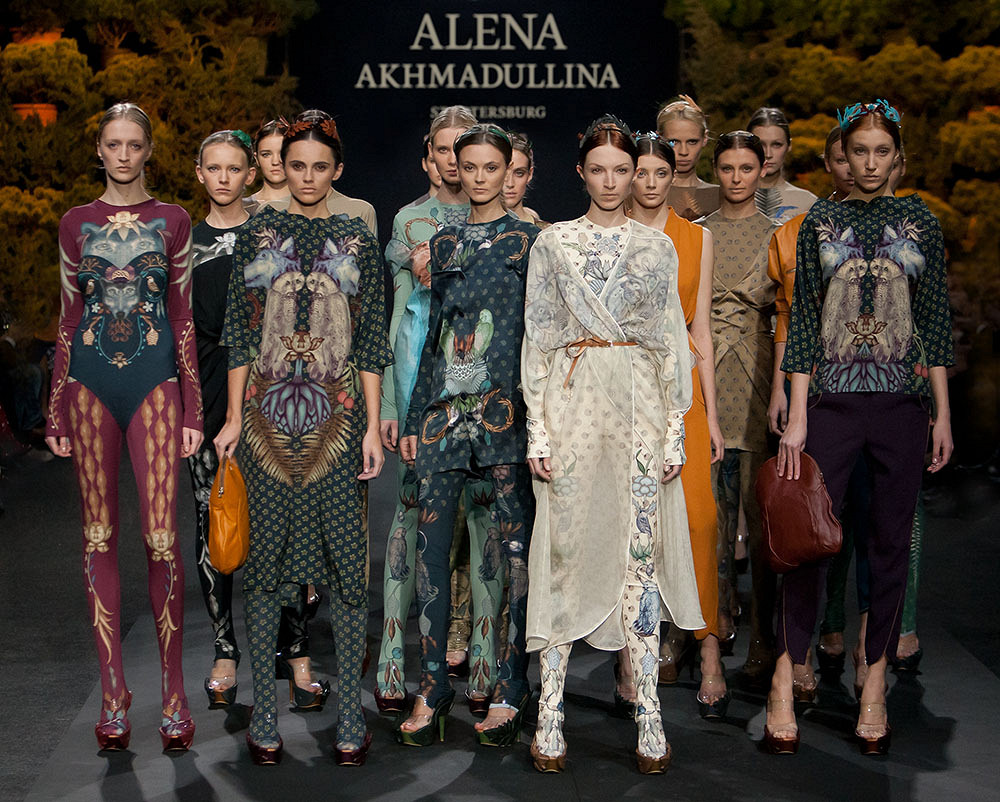 Модные дизайнеры и стилисты