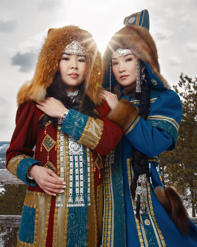 Национальные женские костюмы