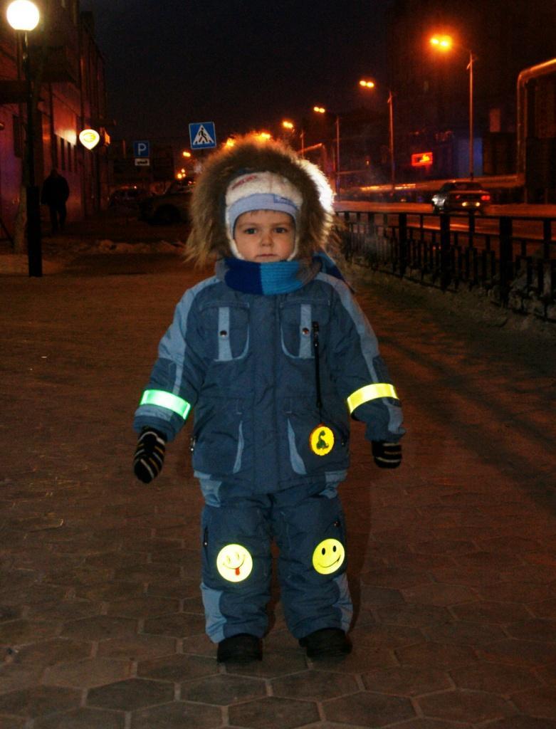 Светоотражающие элементы на одежде детей