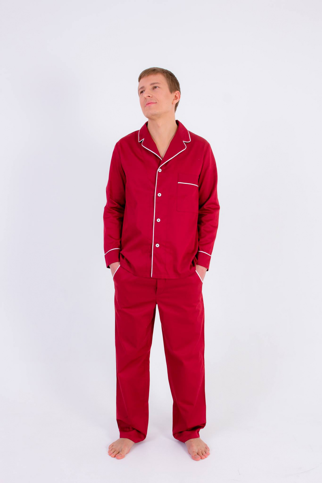 Бордовый цвет одежды для дома