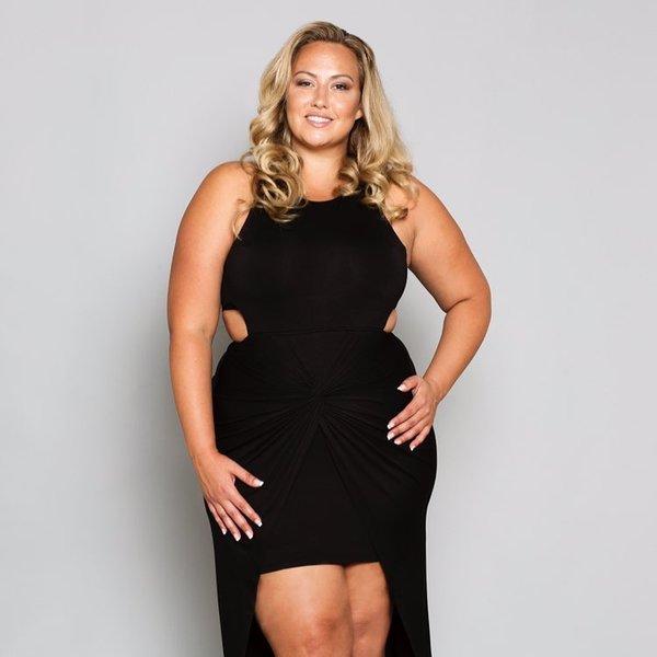 Черное изящное платье