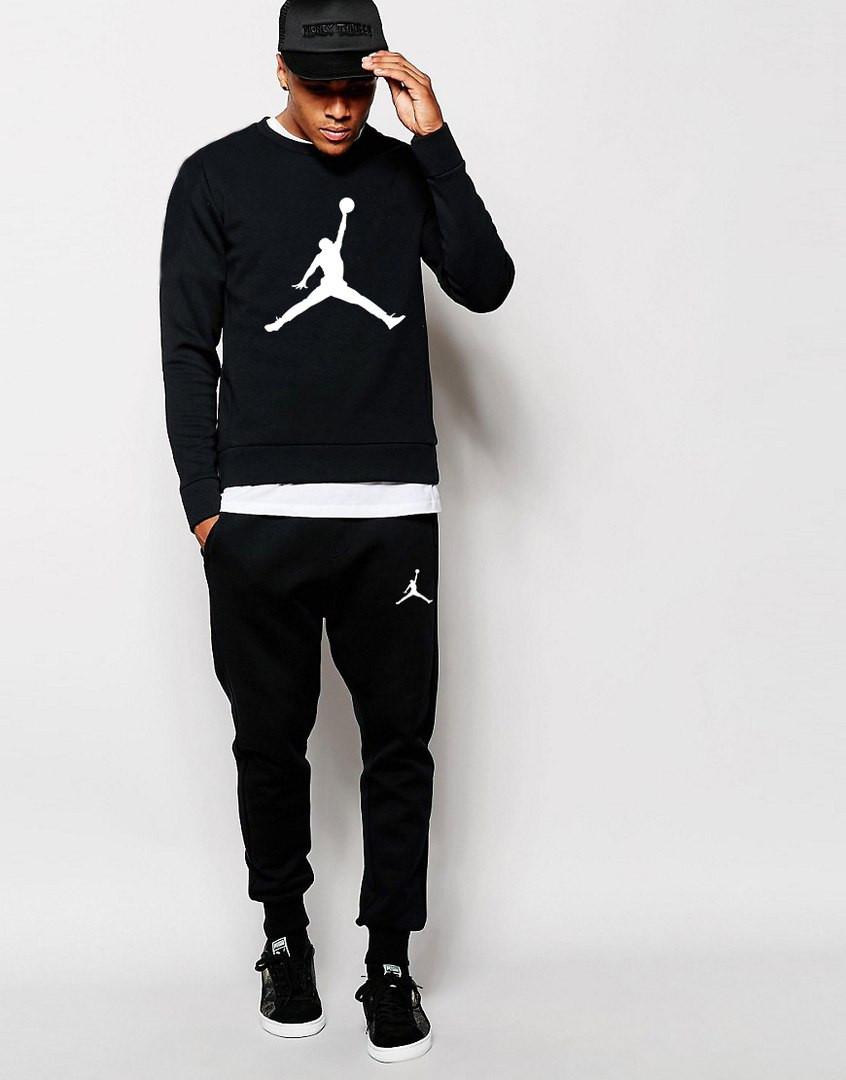 Черный цвет современной одежды для спорта