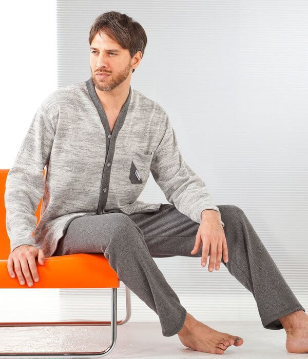 Что носят мужчины в квартире