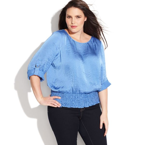 Голубая легкая блузка на лето