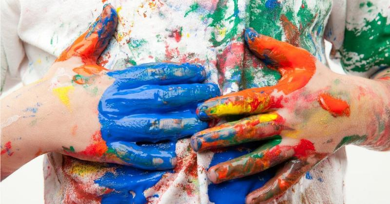 Как быстро вывести краску с одежды