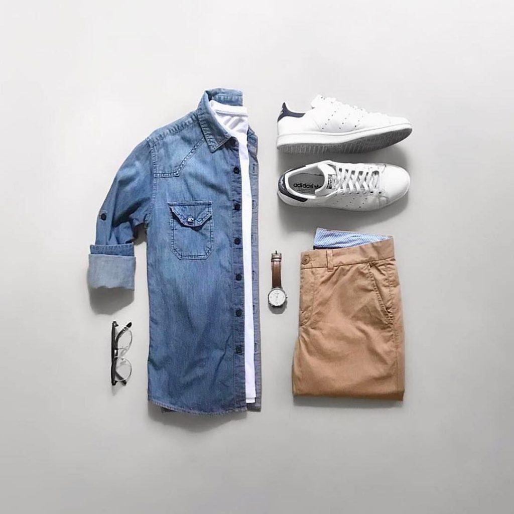 Красивый сине-бежевый комплект одежды для работы