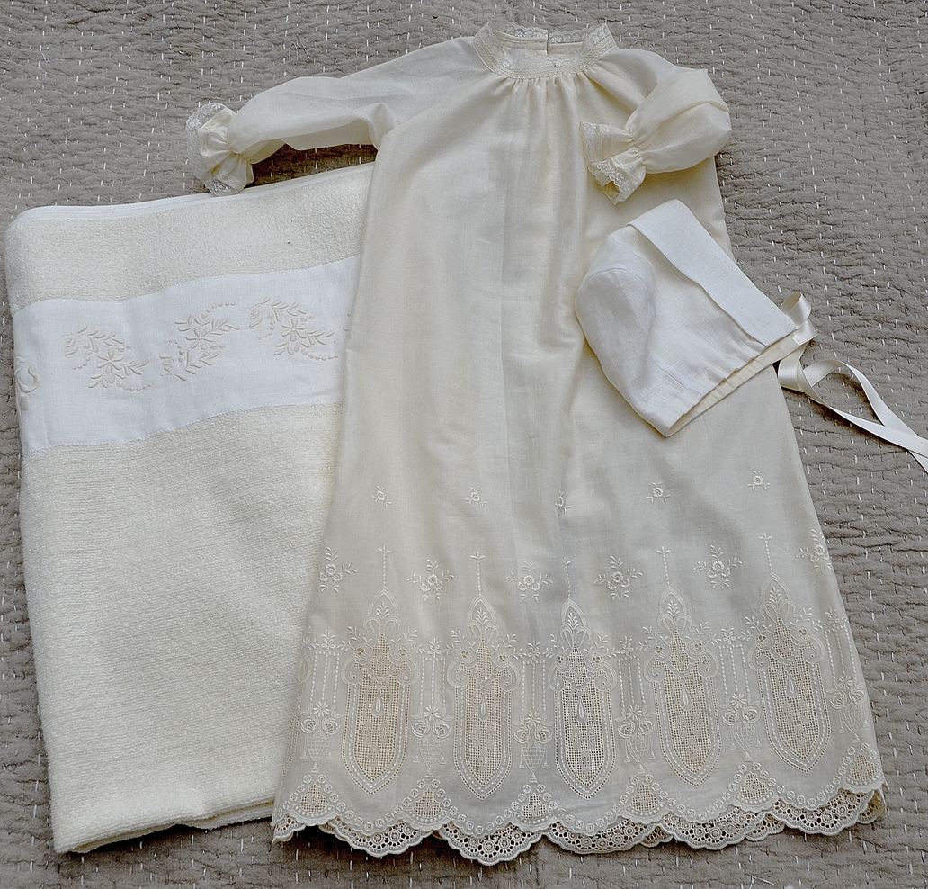 Льненяное платье для маленькой девочки