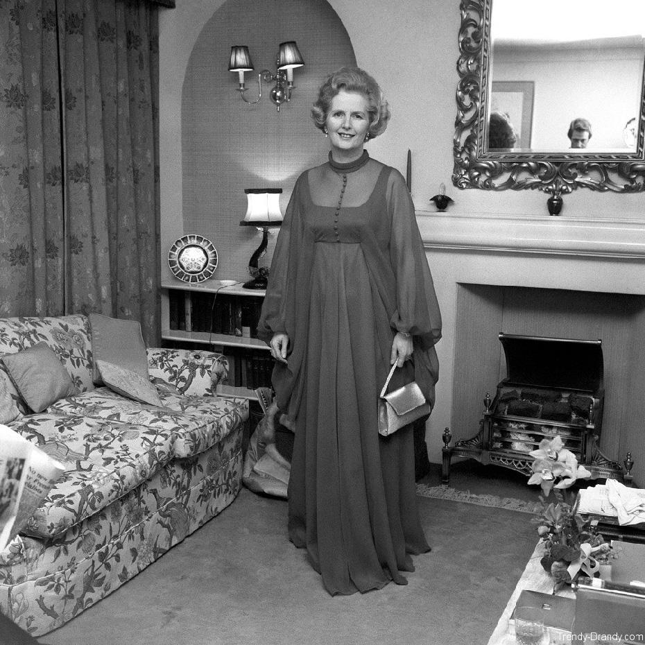 Маргарет Тэтчер в оригинальном платье