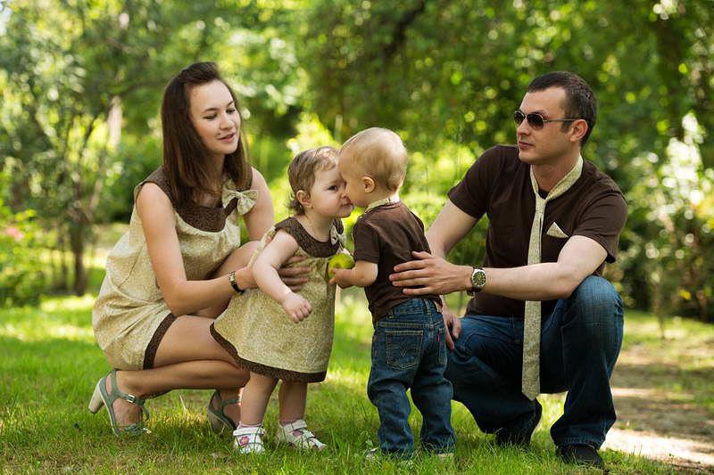 Одинаковая одежда для всей семьи для фотосессии