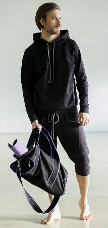 Основные особенности мужской одежды для фитнеса