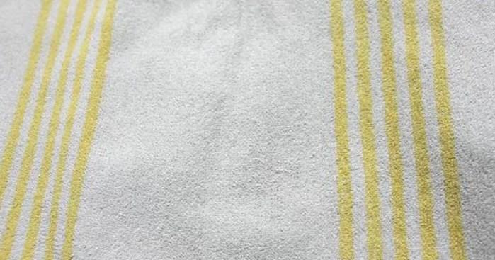 Помещаем полотенце на нашивку