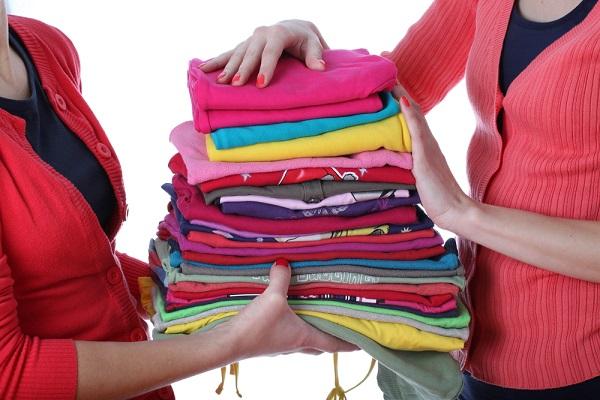 Пожертвование старой одежды