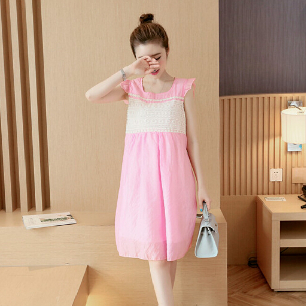 Розовое легкое платье