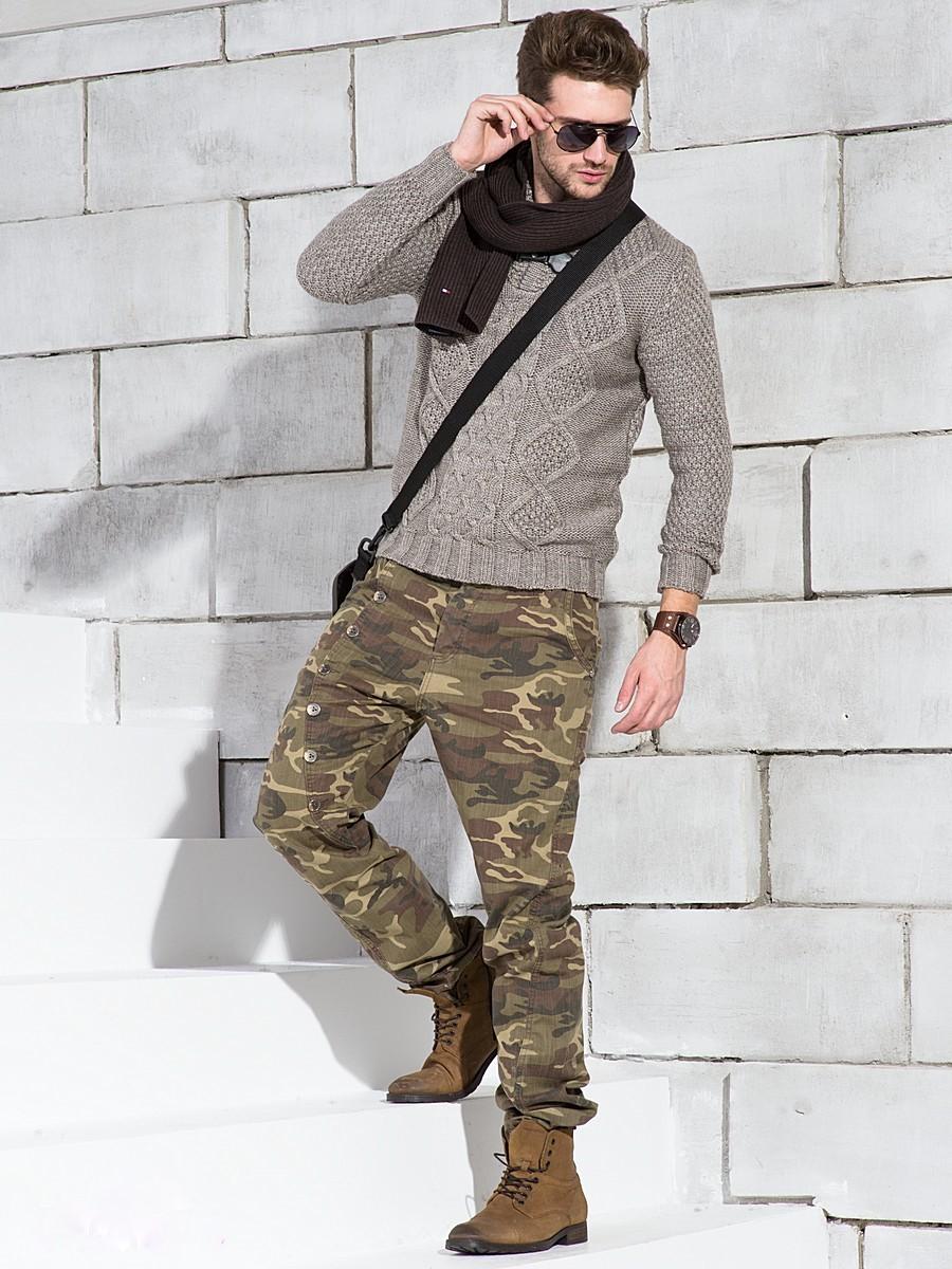 С чем носить мужские штаны милитари