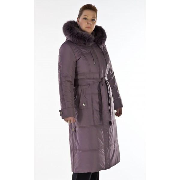 Сиреневое зимнее пальто с капюшоном
