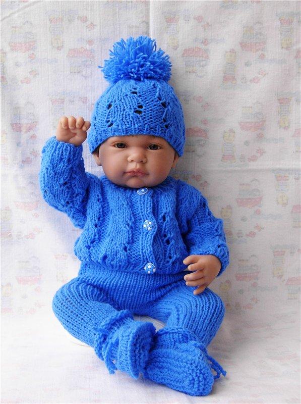 Вязаная теплая одежда на кукол малышей