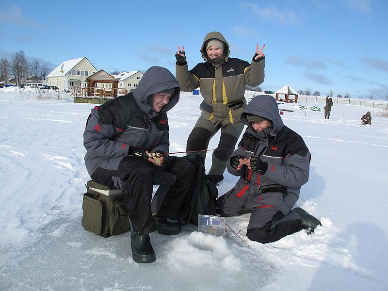 Выбираем костюмы для зимней рыбалки