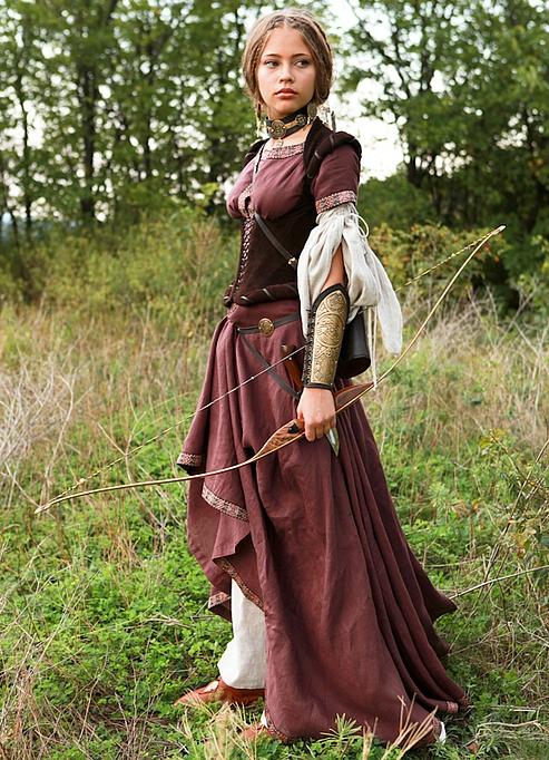 Женская средневековая одежда