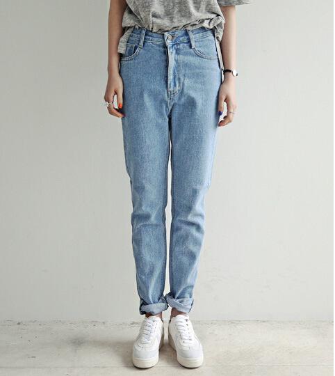 Бойфренд джинсы для женщины в свободного покроя
