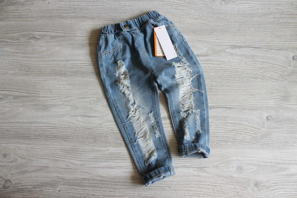 Детские рваные джинсы