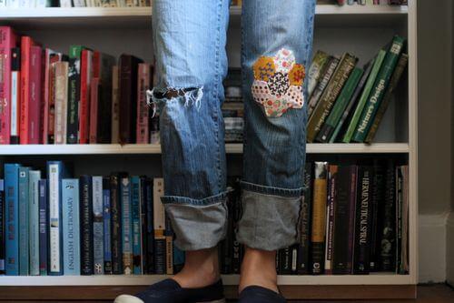 Дыра на джинсах